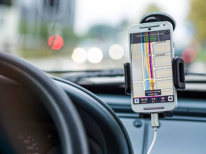 navigation-accesories-car-drive-road